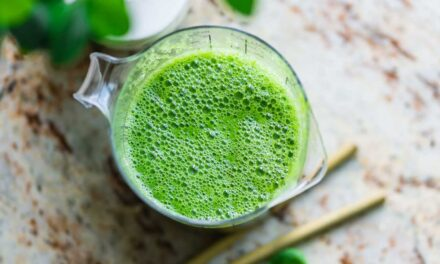 Grön mango och banan smoothie
