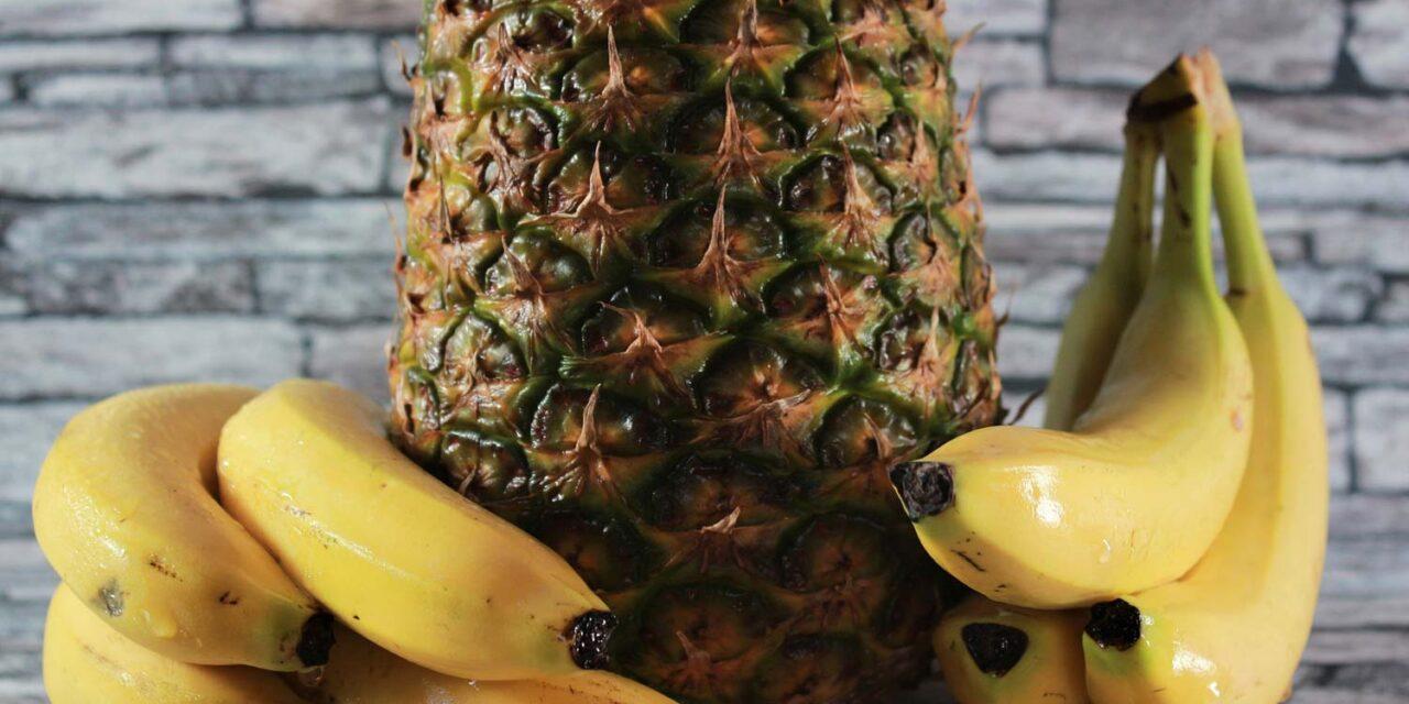 Banan och ananas i smoothies